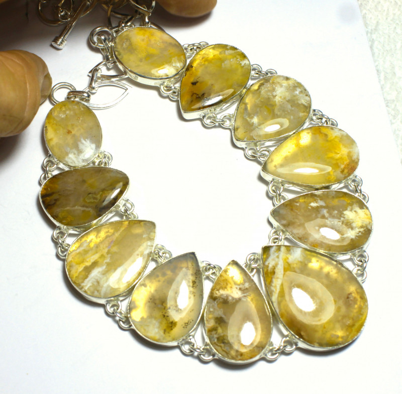 478.0 Tcw.  Golden Agate, Sterling Silver Necklace - Gorgeous
