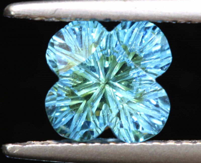1.9 CTS -TOPAZ FLOWER CARVING    LG-20