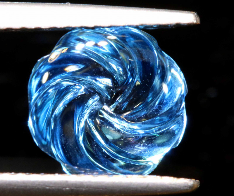 2.5 CTS -TOPAZ FLOWER CARVING     LG-34