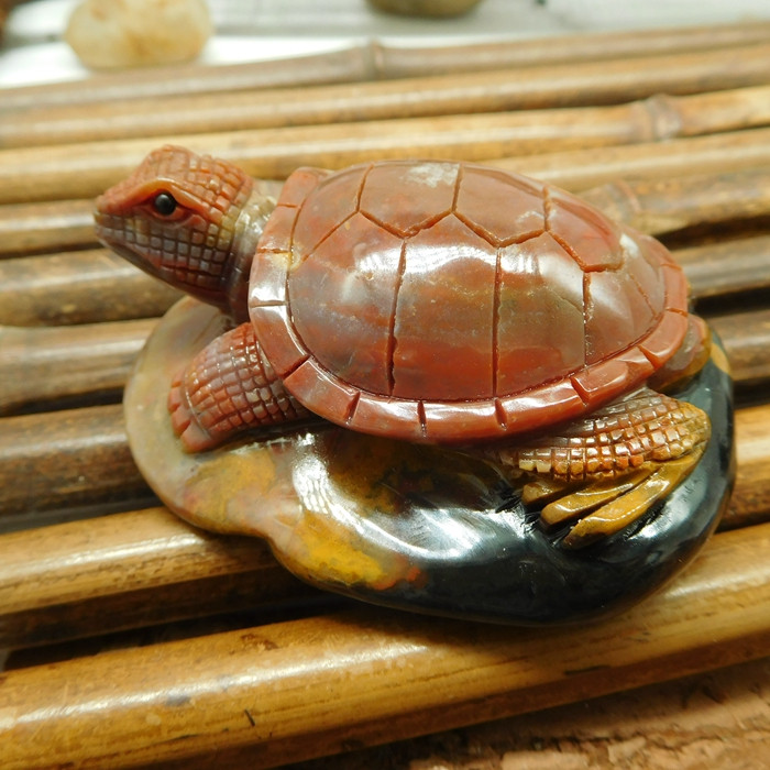 Natural stone carved turtle decoration (D107)