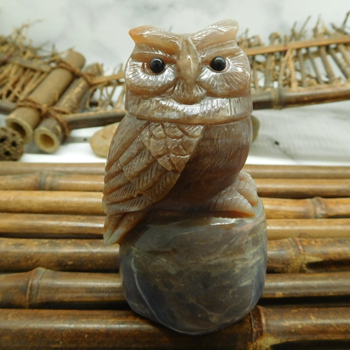 Fancy agate carved owl table deocoration (D098)