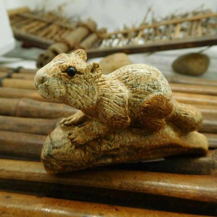 Picture jasper carved squrriel figurine (D103)