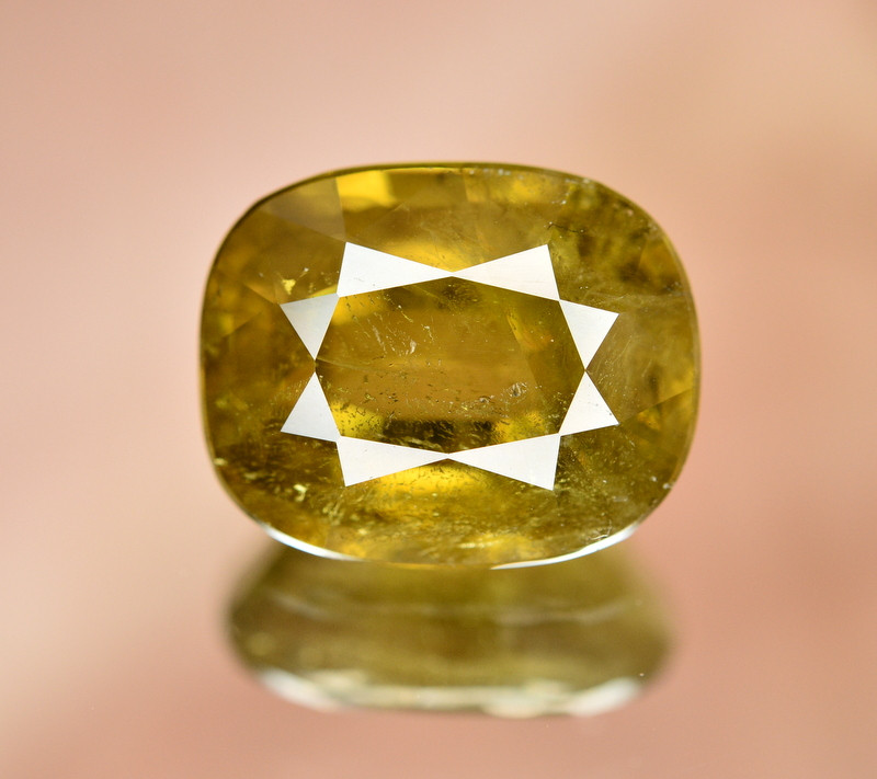 8.05  Ct Natural Ravishing Sphene Titanite  Loose Gemstone