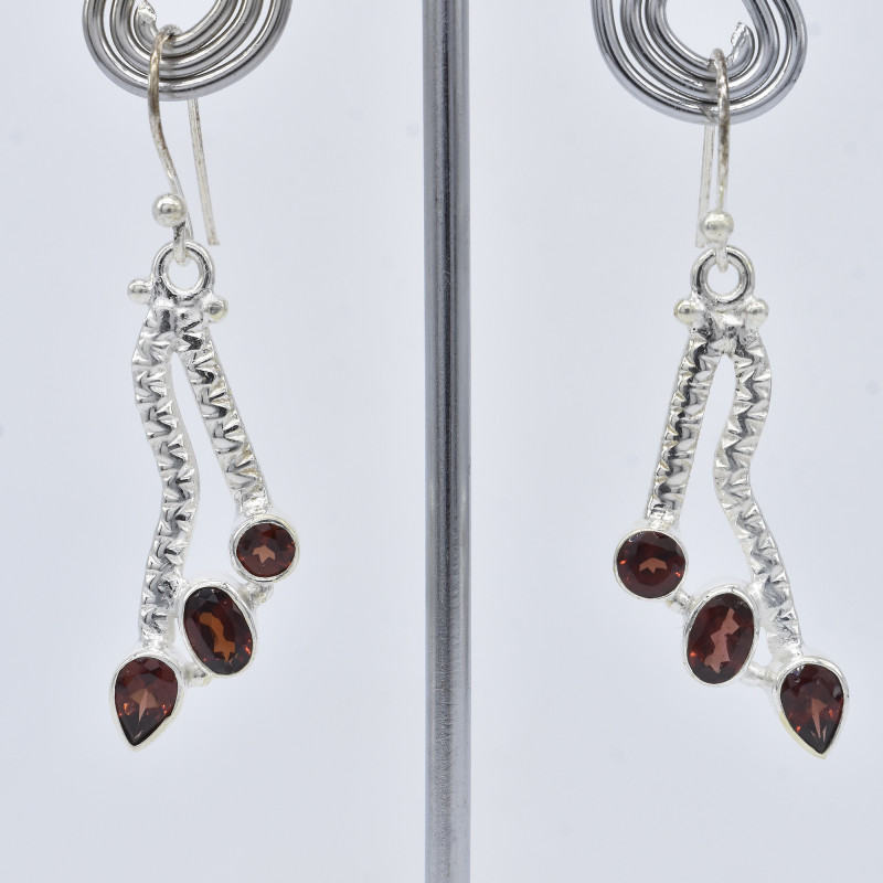GARNET EARRINGS 925 STERLING SILVER NATURAL GEMSTONE JE410