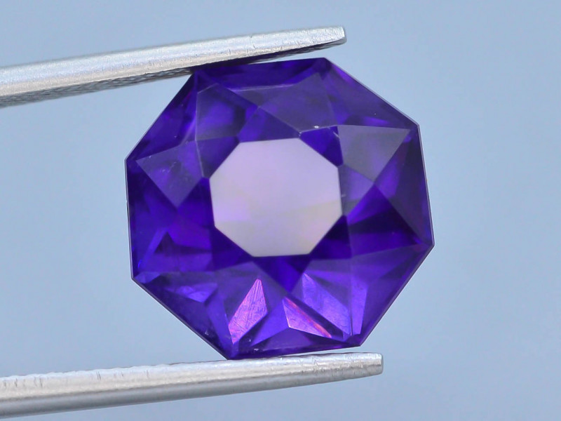 7.75 CT Natural Gorgeous Color Fancy Cut Amethyst ~ T