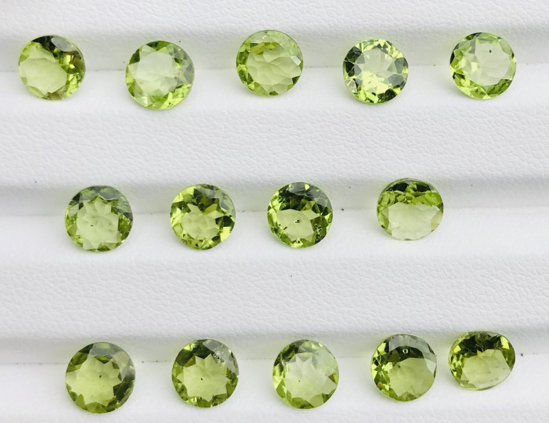 15.70 Carats  Peridot Gemstones Parcel