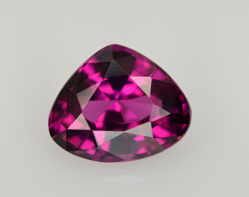 1.95 CT NATURAL GRAPE GARNET GEMSTONE