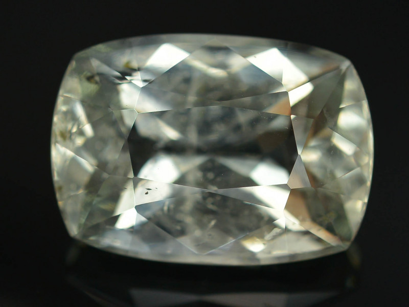 7.90 ct Attractive Color Aquamarine