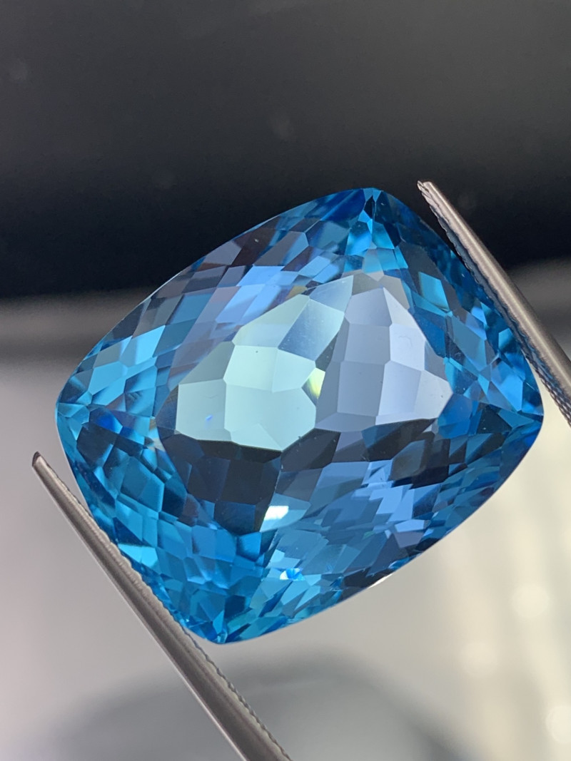 43.46 Cts! Jumbo Size Top Quality Natural Topaz Swiss Blue