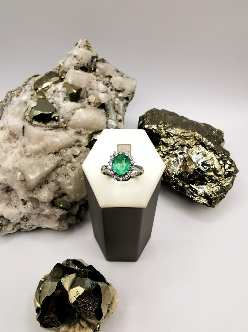 not available for the moment Colombian Emerald 18k Solid Gold Ring with Dia