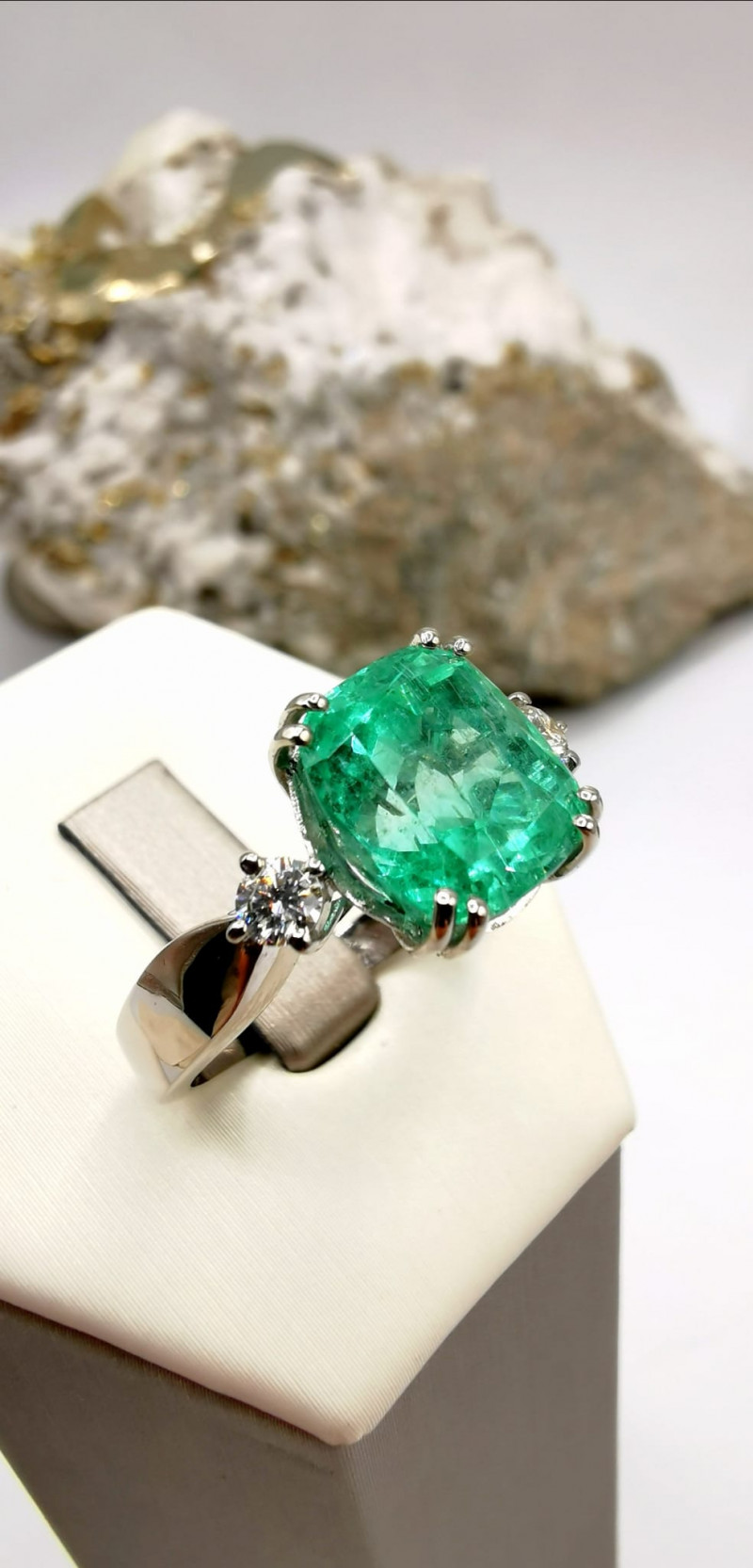 4,85ct Colombian Emerald 18k Solid Gold Ring  16/76