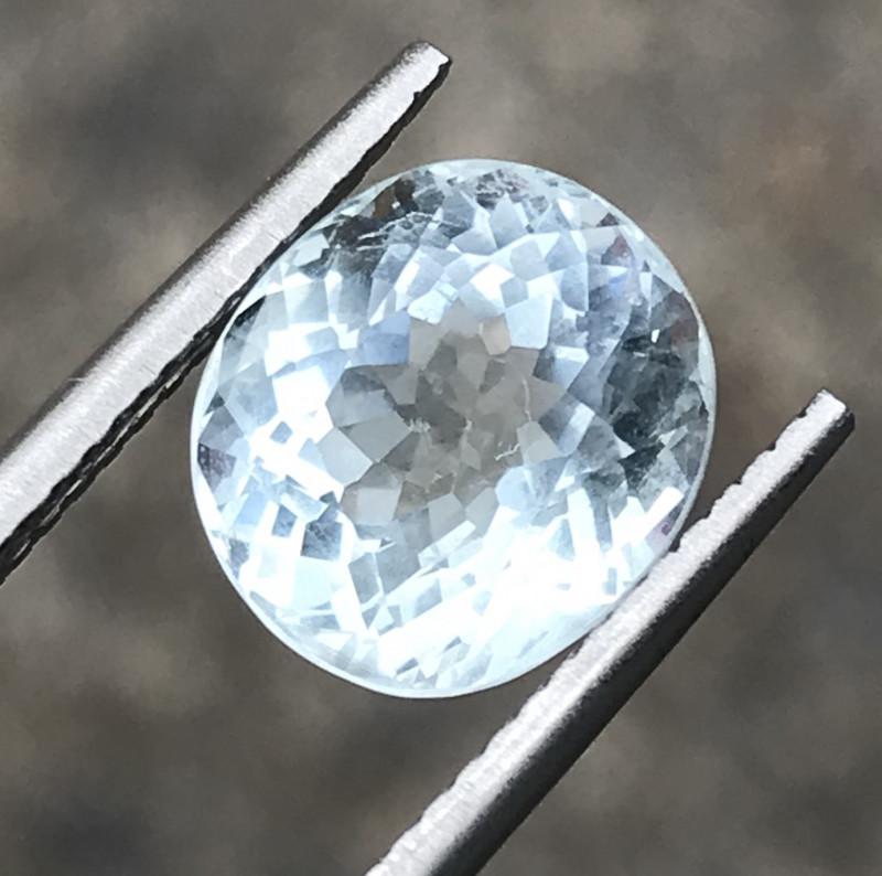 3.90 Carats Aquamarine Gemstone