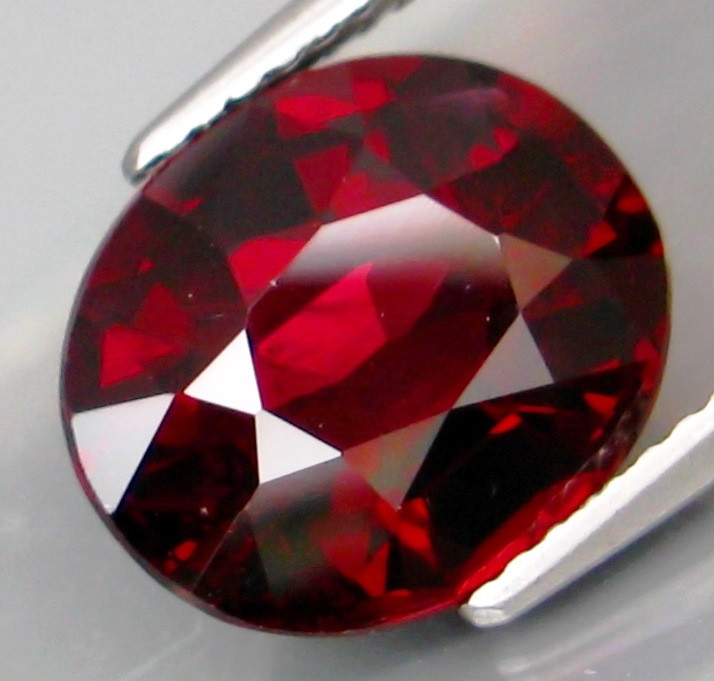 6.22 Ct. Natural Top Red Rhodolite Garnet Africa Unheated