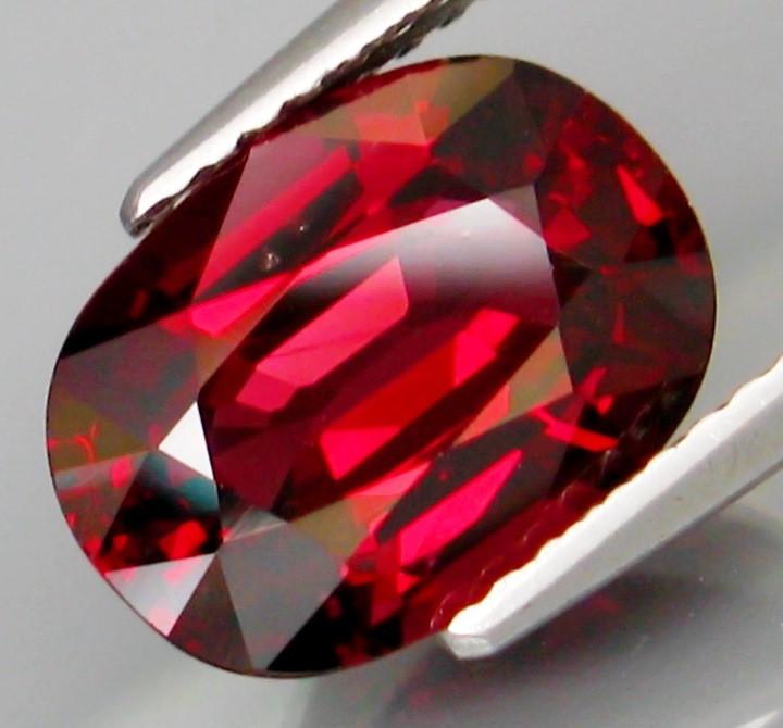 4.44 Ct. Natural Top Red Rhodolite Garnet Africa Unheated