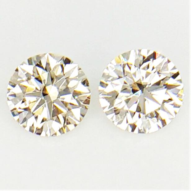 0.26 CT ,Pair Round Diamonds , Light Color Diamonds , WR1204