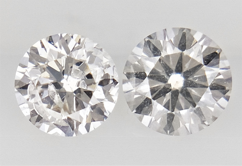 0.26 , Pair Round Diamonds , off White  Diamonds , WR1217