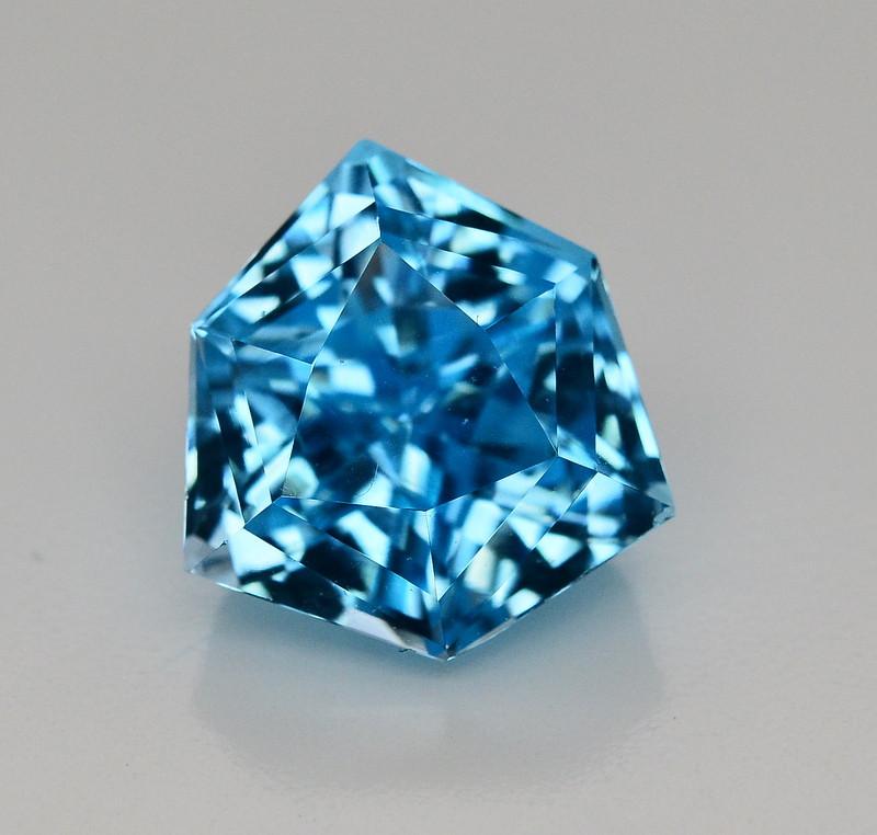17.15 CT NATURAL BLUE SWISS TOPAZ GEMSTONE
