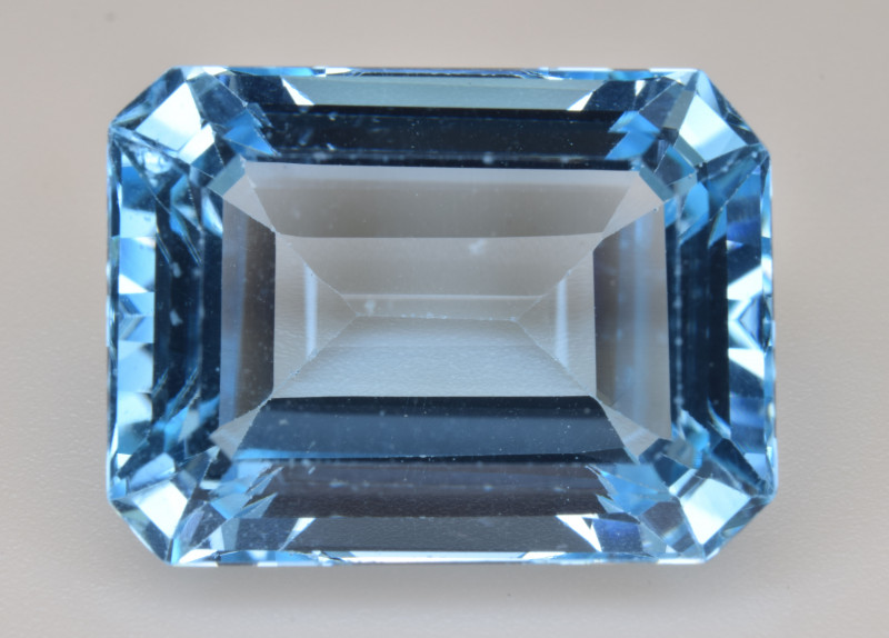 Natural Blue Topaz  15.60 Cts Top Quality Gemstone