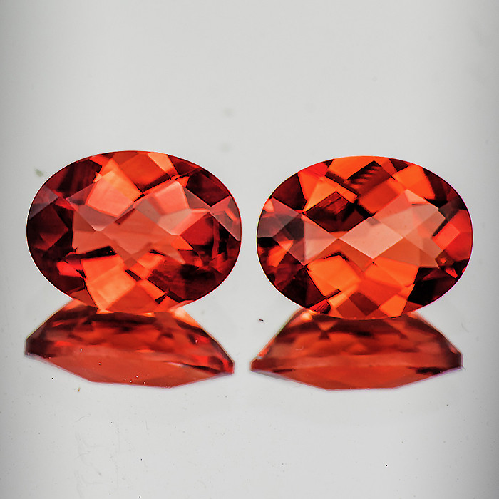 7x5 mm Oval Checker 2 pcs 1.23cts Red-Orange Andesine [VVS]