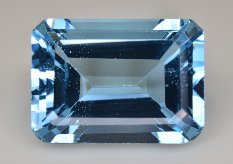 Natural Blue Topaz  17.92 Cts Top Quality Gemstone