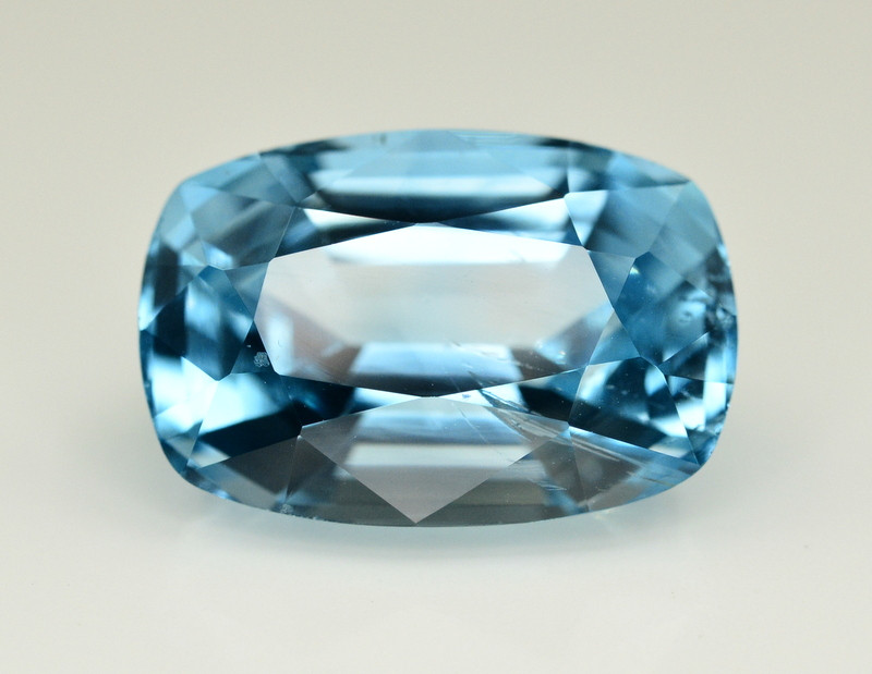 14.10  Ct Amazing Color Natural Blue Topaz ~ Swiss