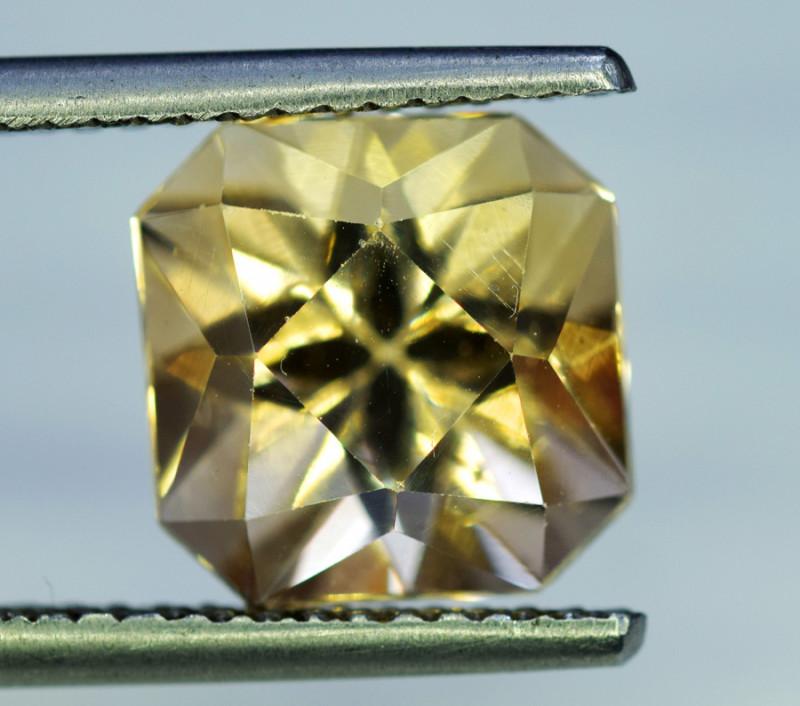 Topaz, 8.65 Carats Top Quality Beautiful Cut Sherry Topaz Gemstone