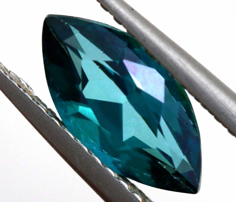 1.5 CTS  GREEN TOPAZ FACETED GEMSTONE  CG-2928