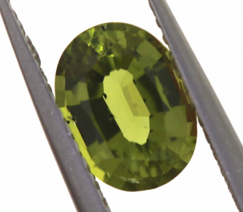 1.55 CTS - PERIDOT  FACETED CG-19