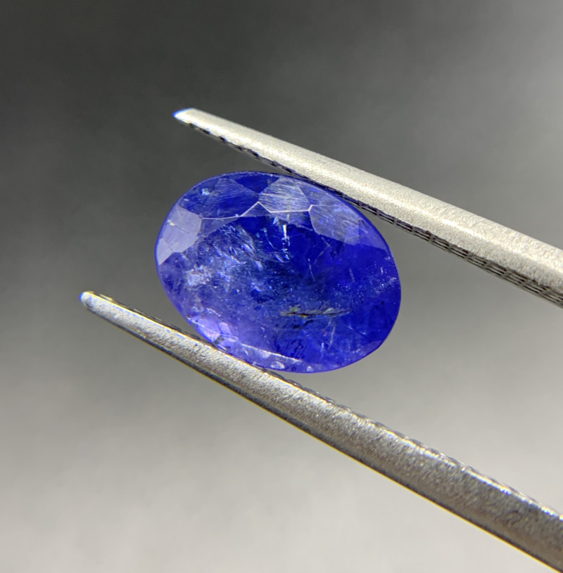 2.85 ct Natural Tanzanite Oval Cut loose gemstone Ideal for mounting on jew