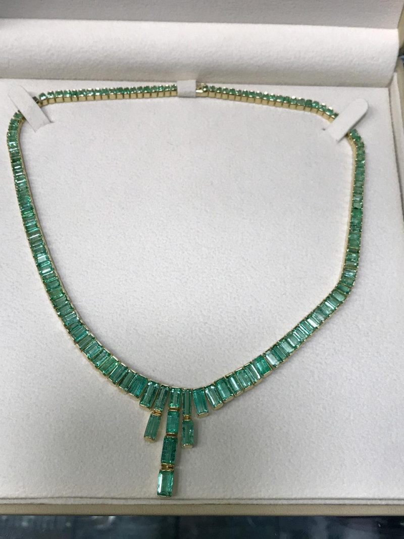 48ct Colombian Emerald Necklace 18ct Gold