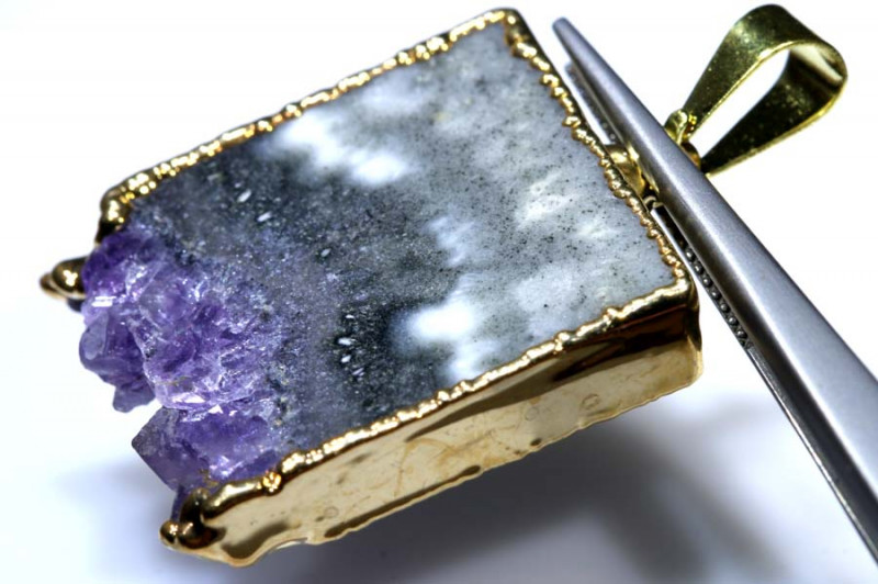 34 CTS AMETHYST CRYSTAL GOLD PLATED PENDANT SG-3508