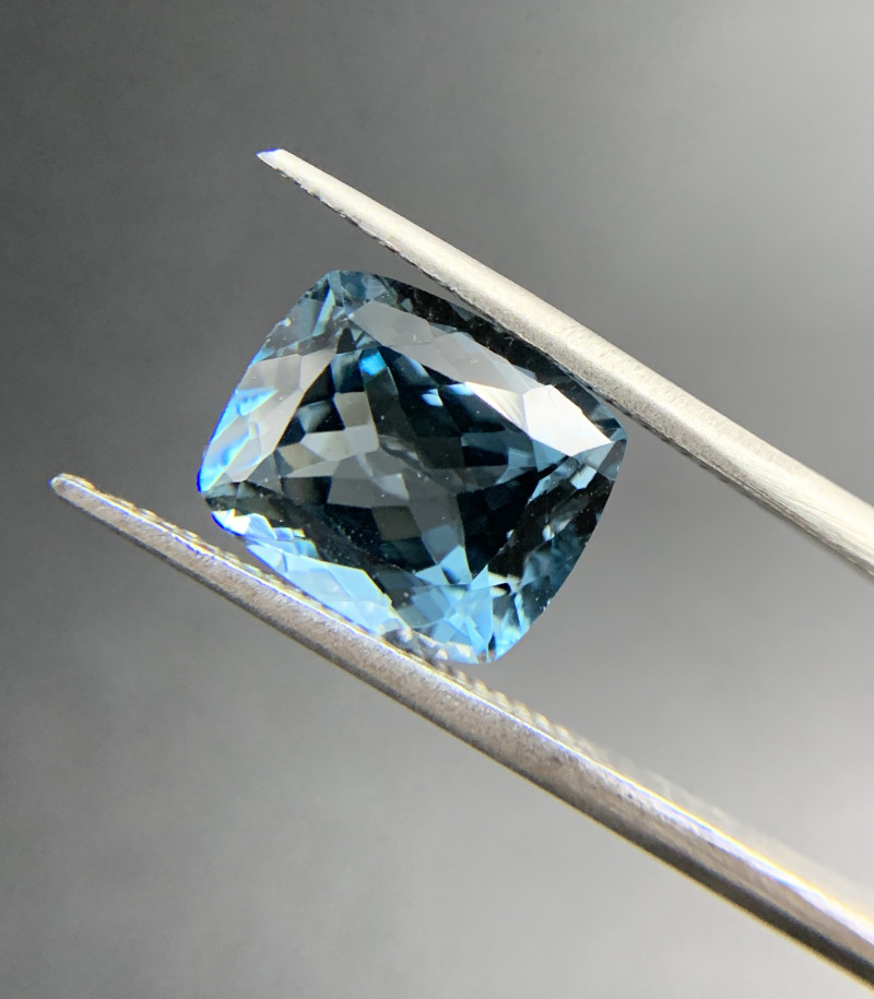6.79 ct Natural Blue Topaz cushion cut loose gemstone Ideal for mounting on
