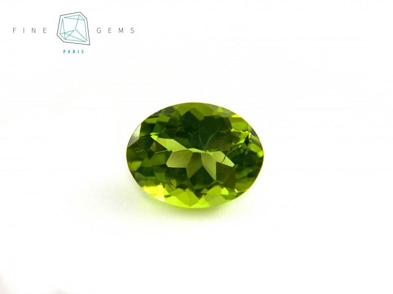 2.23 carats Natural Peridot Gemstone Oval Mixed cut