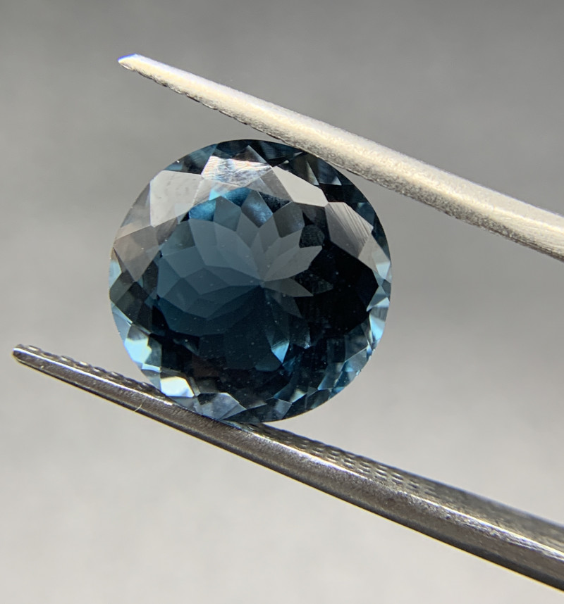 7.89 ct Natural Blue Topaz Round cut loose gemstone Ideal for mounting on j