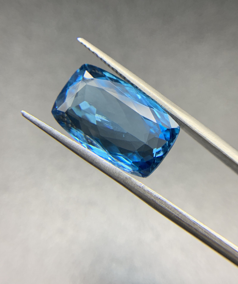 Natural Blue Topaz 12.68 ct Cushion cut swiss blue loose gemstone Ideal for