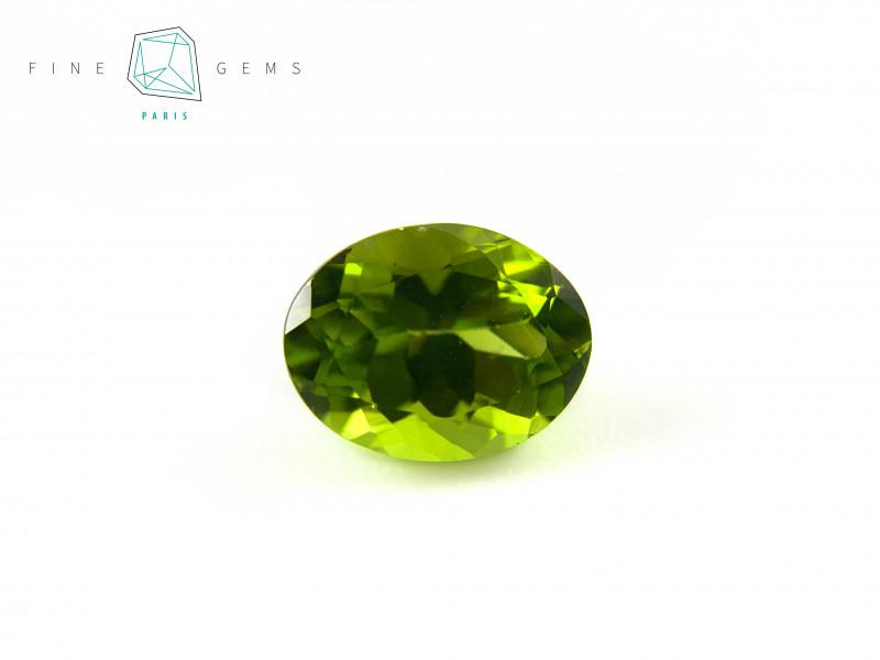 2.83 carats Natural Peridot Gemstone Oval Mixed cut