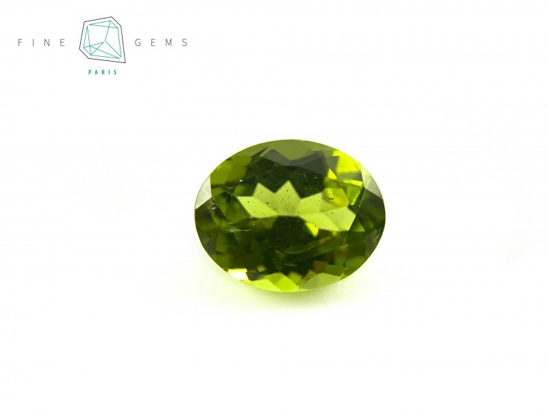 2.90 carats Natural Peridot Gemstone Oval Mixed cut