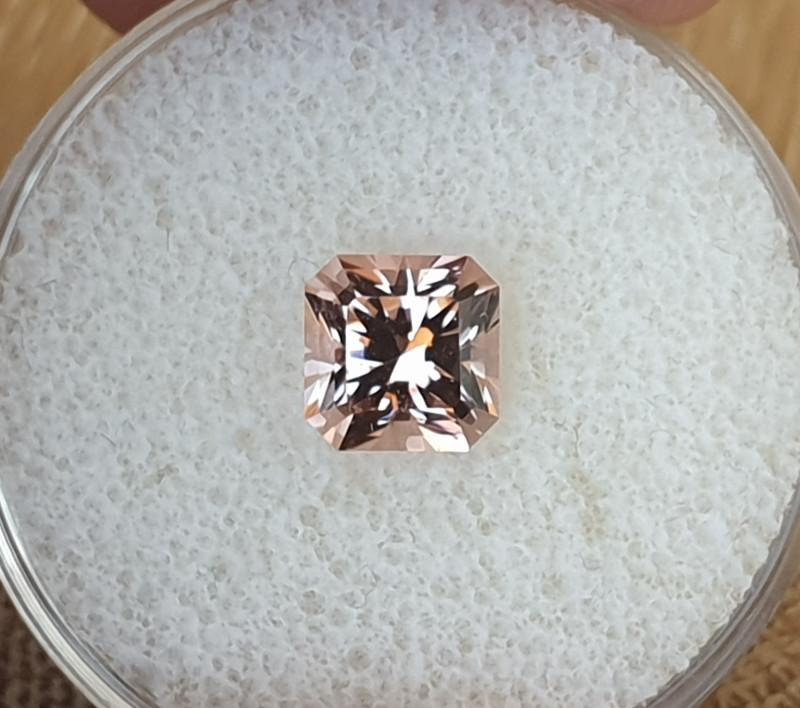 1,68 ct Pink Tourmaline - Master cut!