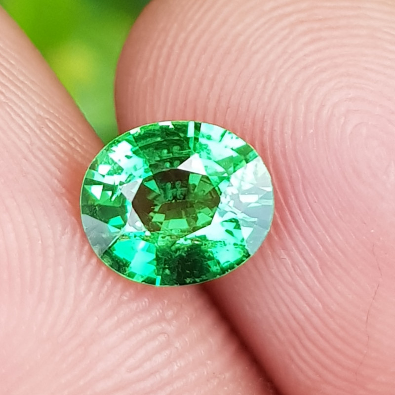 NO TREAT CERTIFIED 1.01 CTS TOP NATURAL STUNNING GREEN TSAVORITE GARNET KEN