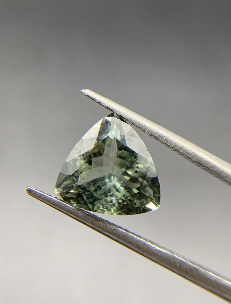 3.27 ct Natural Tourmaline Trillion cut loose gemstone Ideal for mounting o