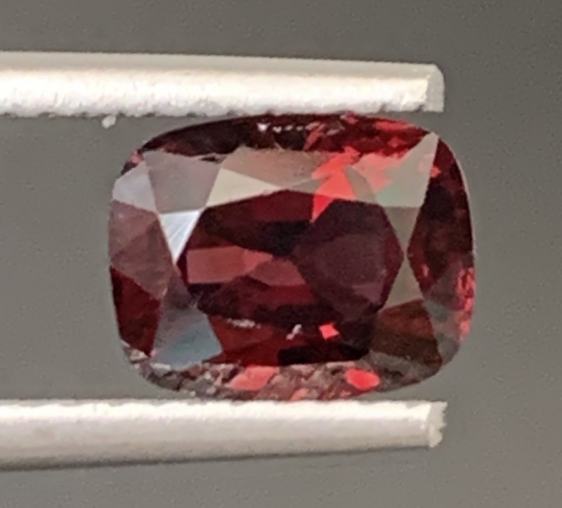 1.65 Carats Red Spinel Gemstone