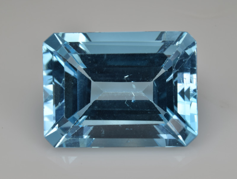 Natural Sky Blue Topaz 14.26  Cts Good Luster