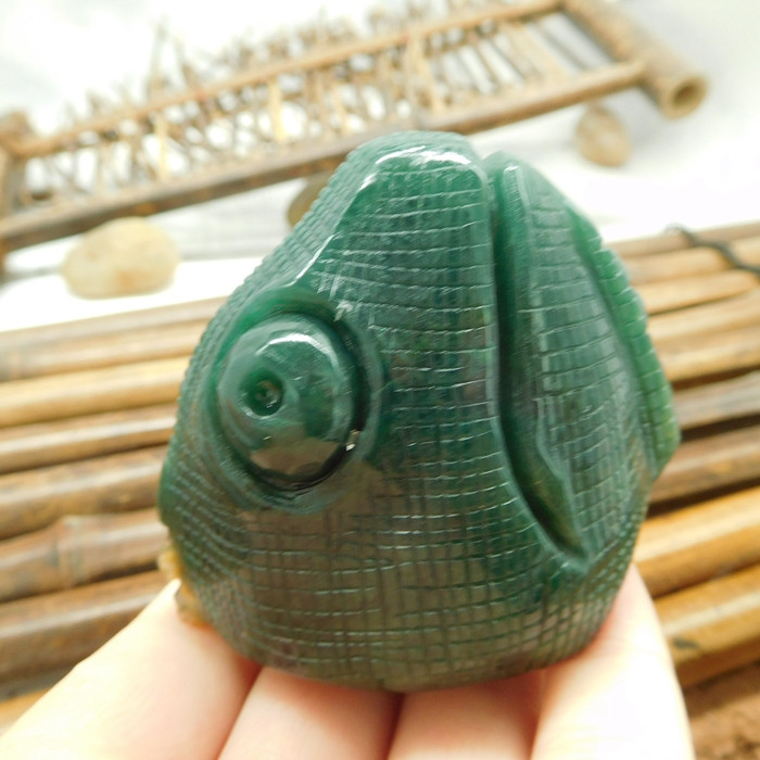 Natural african jade dinosaur decoration (D154)