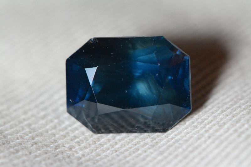 Unheated 5.57 Carat Loose Blue Sapphire With IGI Certificate