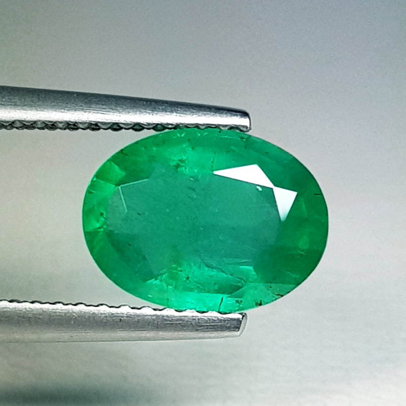 1.96 ct  Exclusive Gem  Amazing Oval Cut Natural Emerald