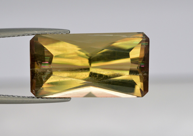 19.65 CT NATURAL COLOR CHANGE TURKISH DISAPORE
