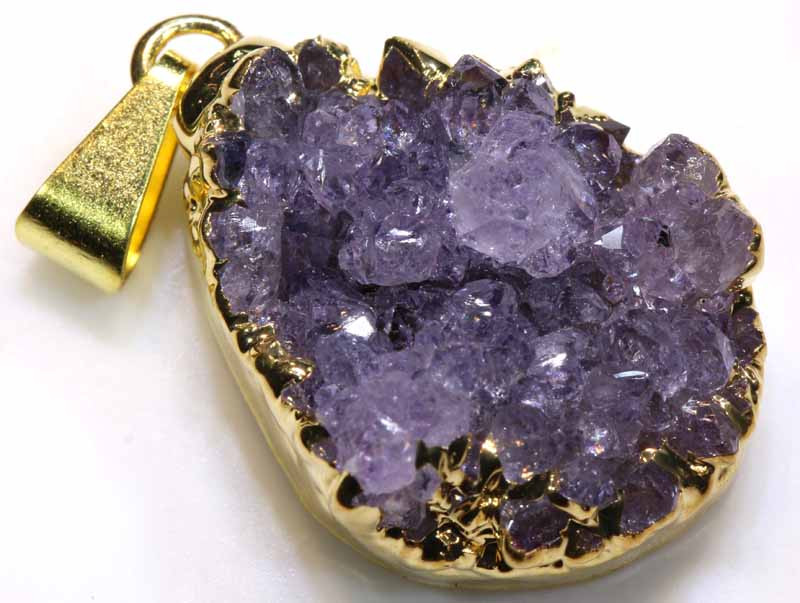 27.45 CTS AMETHYST CRYSTAL GOLD PLATED PENDANT SG-3576
