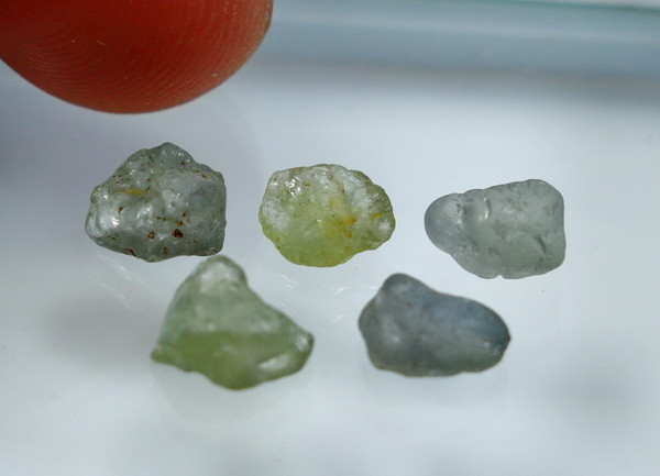 6.40 CT Natural - Unheated Green Sapphire Rough lot