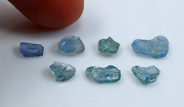 5.75 CT Natural - Unheated Blue Sapphire Rough Lot