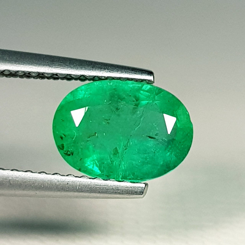 1.34 ct  Fantastic Gem Stunning Oval Cut Natural Emerald